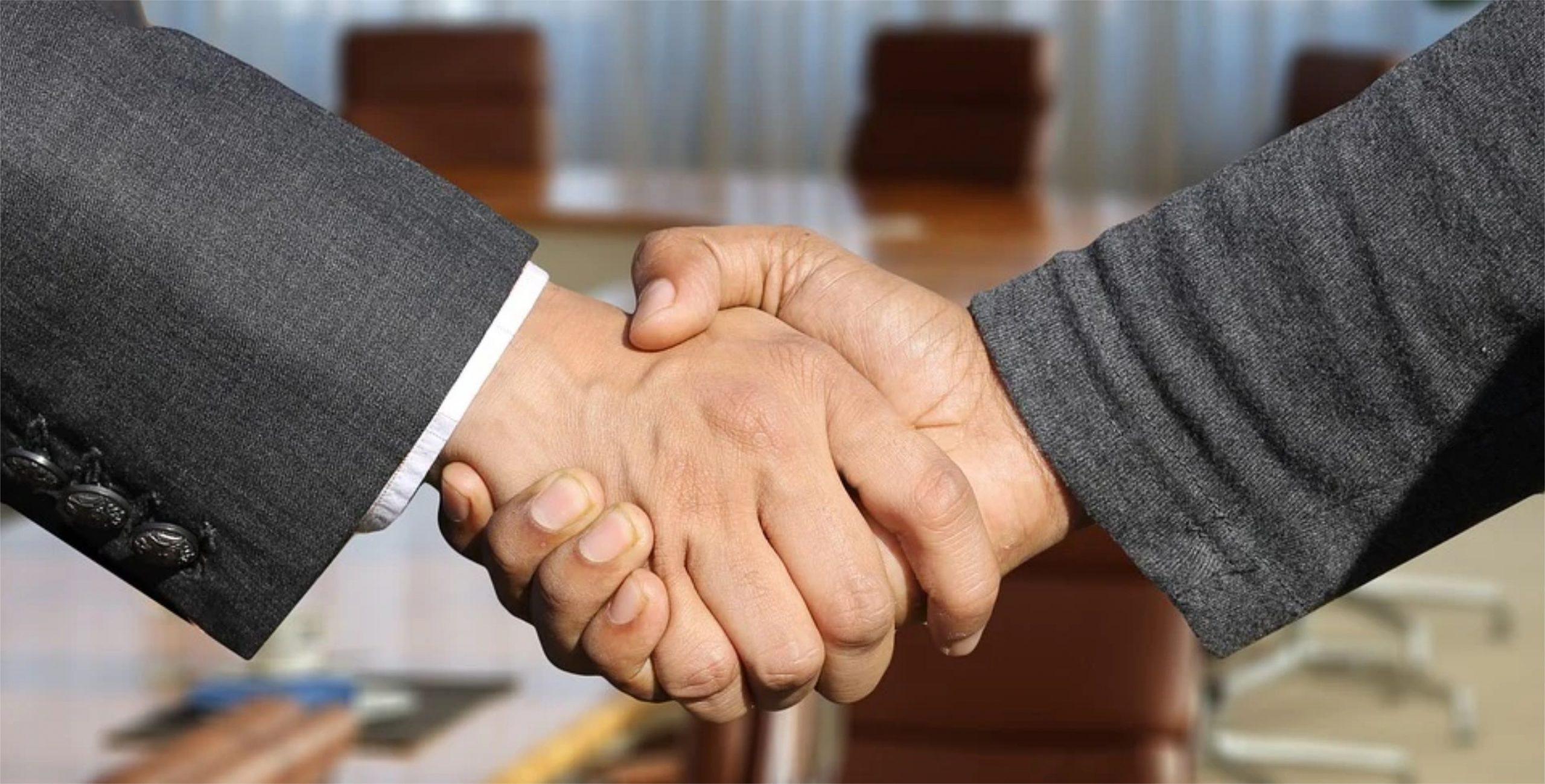 Pesquisa da Bain revela que clientes de seguradoras preferem canais de contato humano